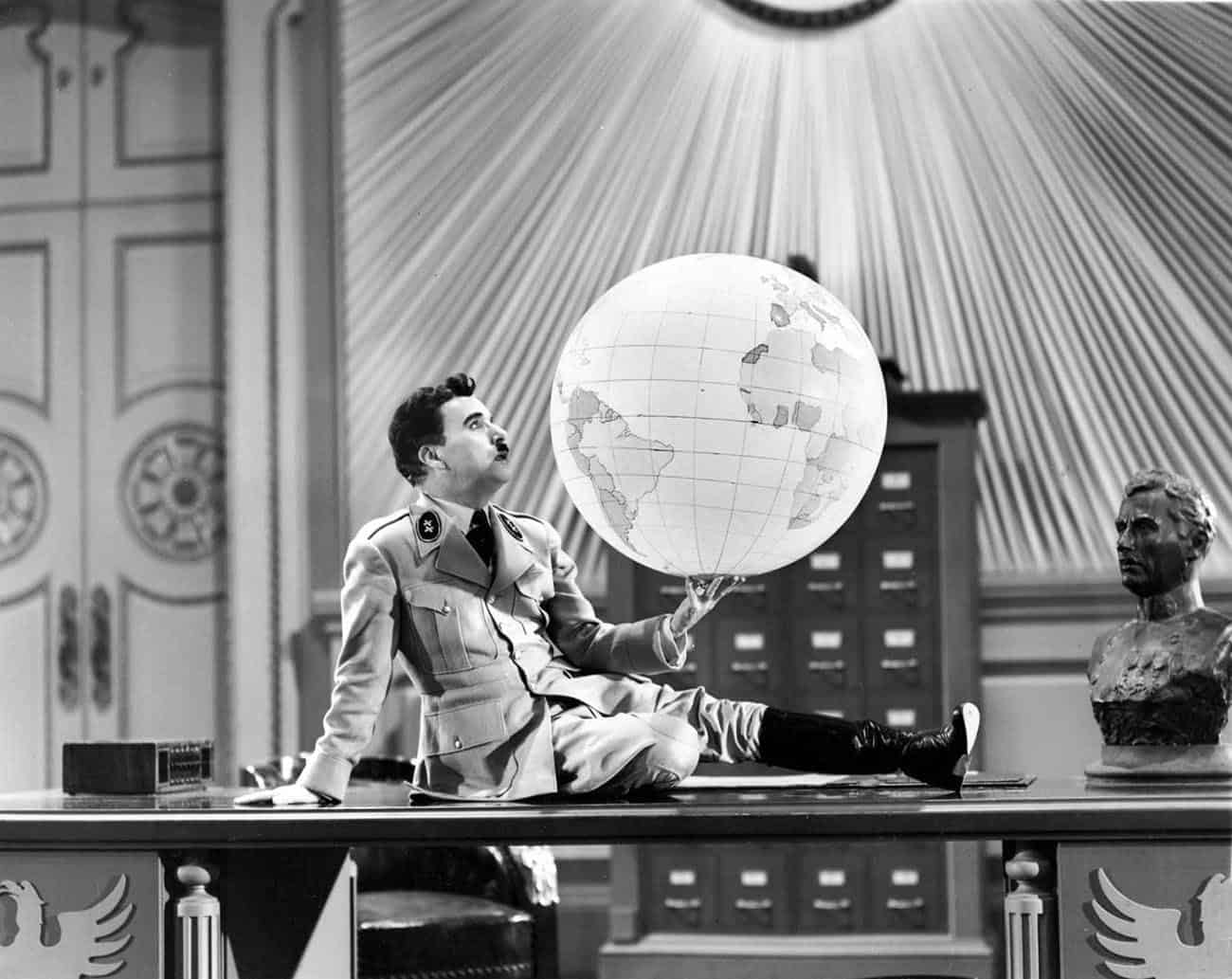Scena dal film The Great Dictator